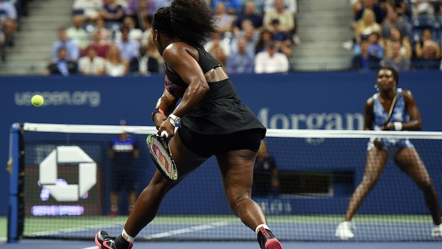 American Serena Williams beats Sister Venus in US Open 2015