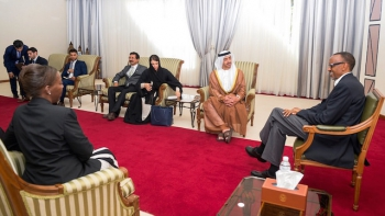 Paul Kagame, Louise Mishikiwabo receiving a delegation from the United Arab Emirates in Kigali in June 2015